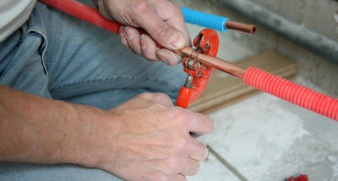 Pourquoi réviser régulièrement sa plomberie?